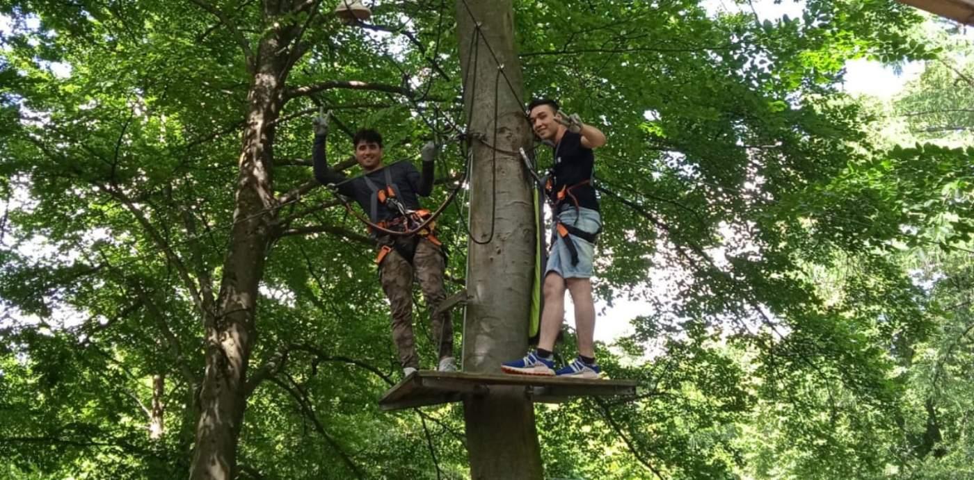Zwei Jungs im Kletterwald- AWO Forchheim